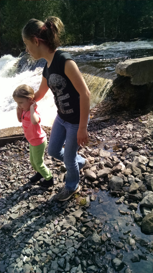 Hiking to the falls